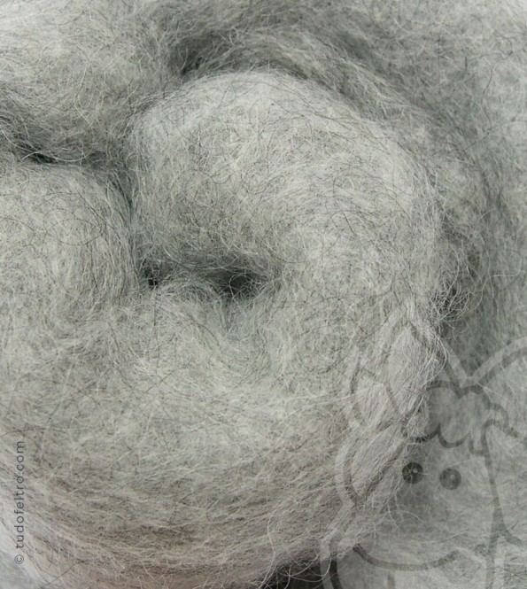 Natural Carded Wool (batts) - LIGHT GRAY