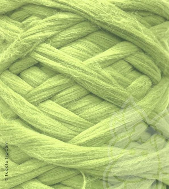 European Merino Wool Tops (combed sliver) - PISTACHIO